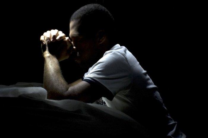 prayer-man